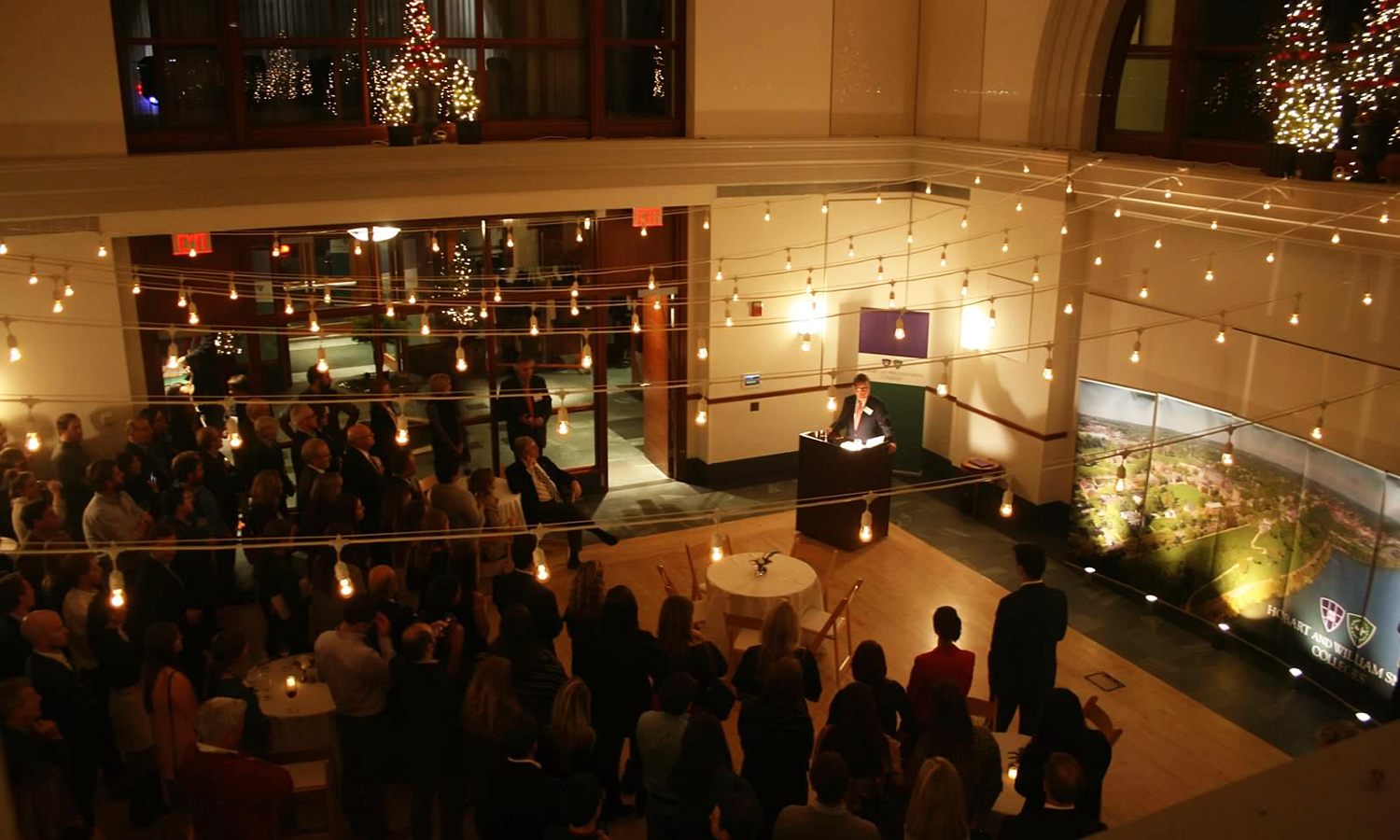 President Mark D. Gearan speaks to alums and parents at the HWS Boston Holiday Gathering at the Boston Exchange Conference Center on Wednesday.
