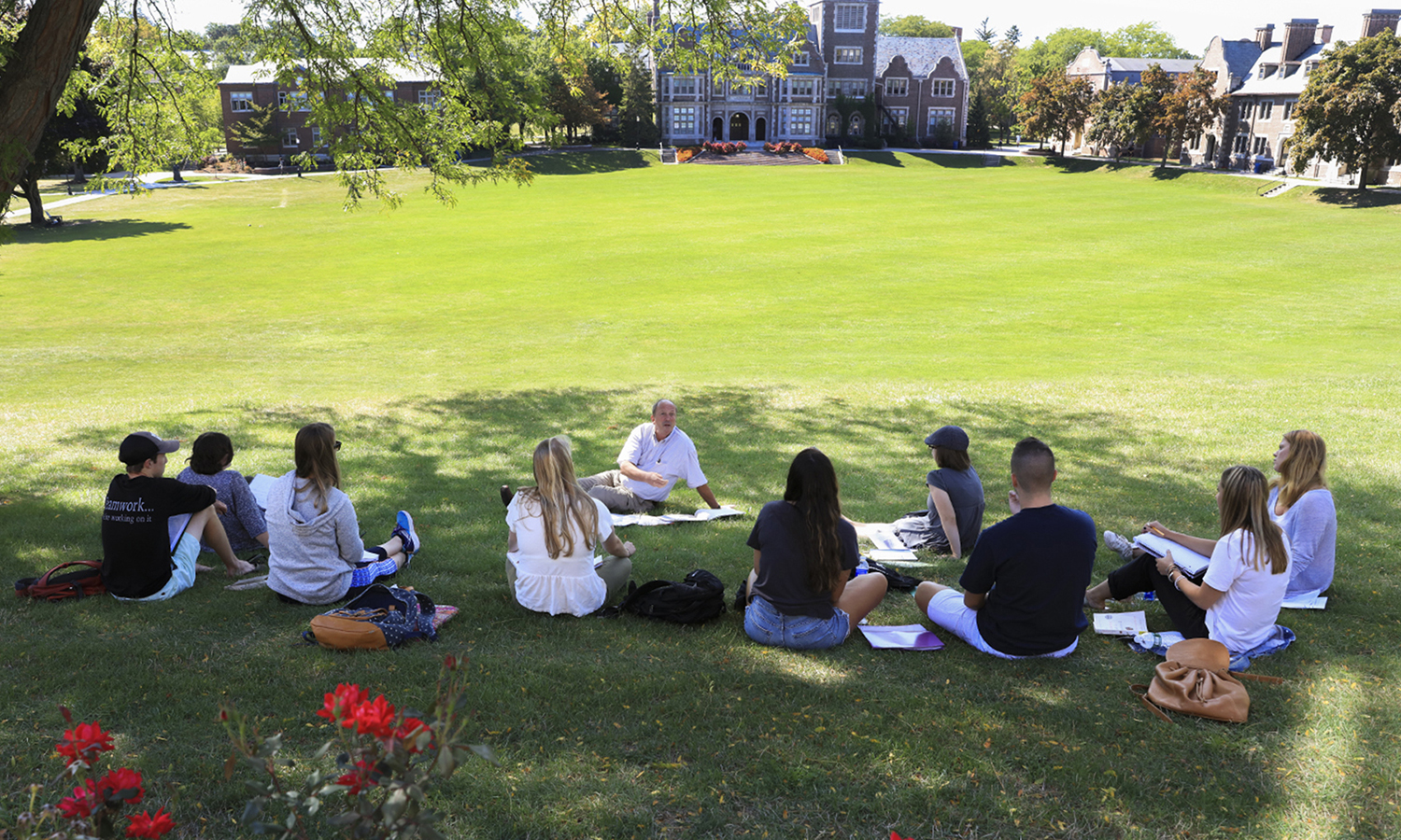 Professor of Education Charlie Temple brings his âComparative and International Educationâ class outside for a discussion of Amanda Ripley's book, âThe Smartest Kids in the World: And How They Got That Way.â