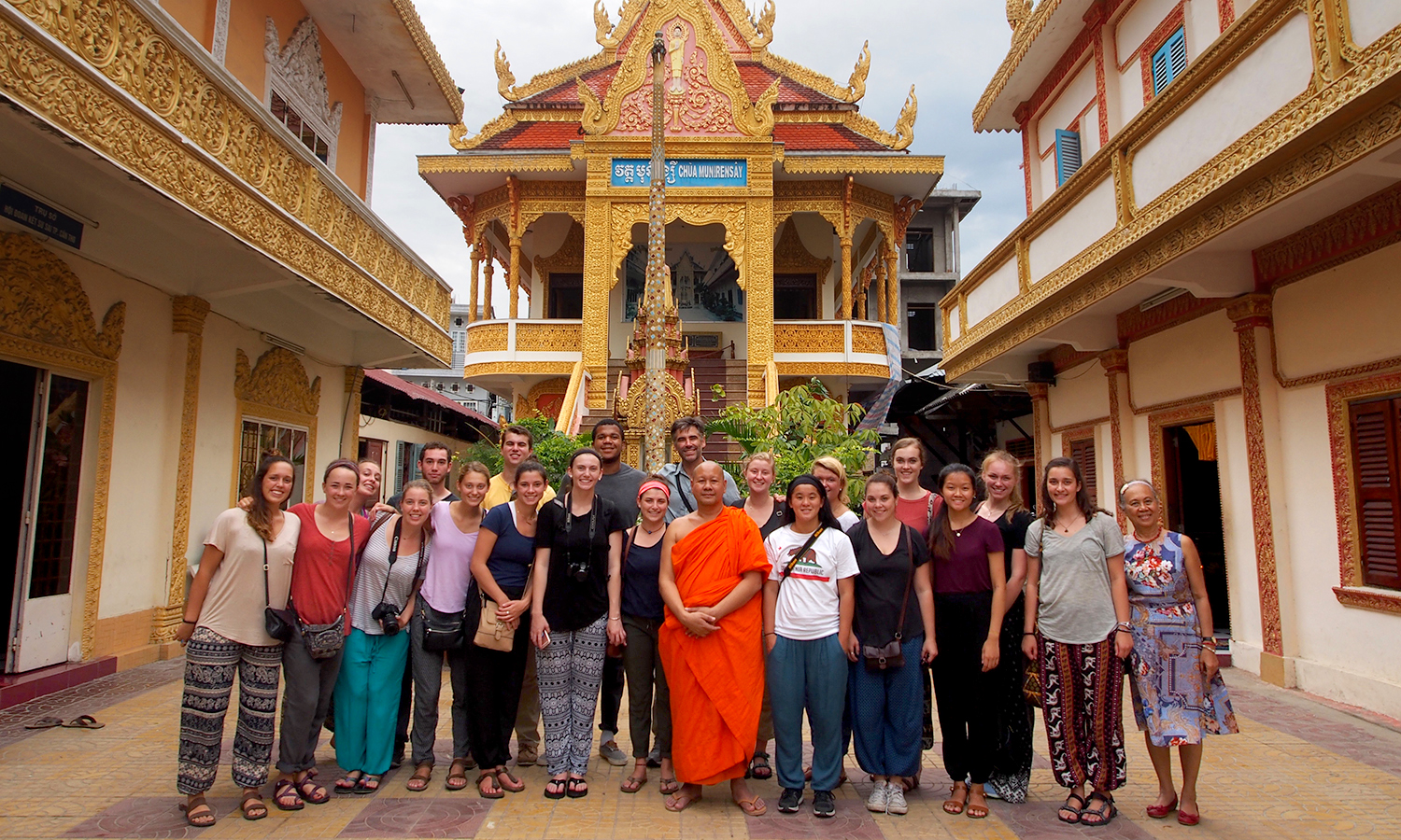 Visit to Theravada (Khmer) Buddhist Temple, Can Tho