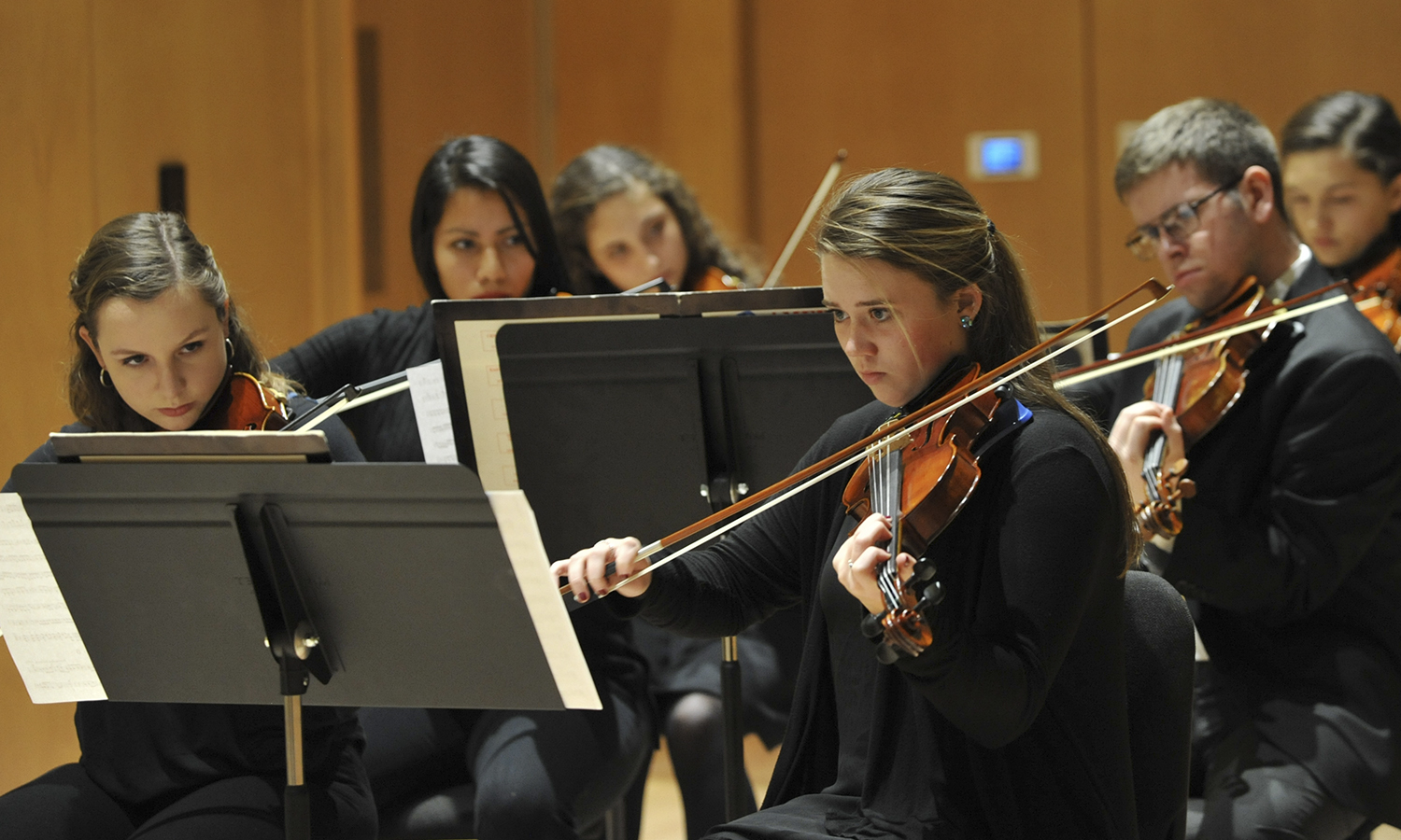 Caitriona Carey '18 performs during an HWS String Ensemble concert.