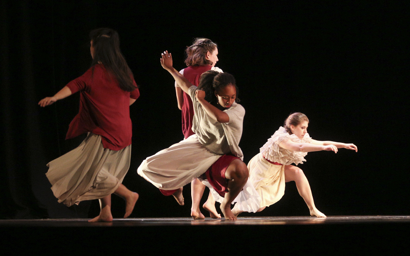 The Verge of Dis & QuietChoreographed by: Teianna ChenkovichMusic: âNeglected Spaceâ by Imogen HeapCast: Franchesca Bodnar, Bandeja Munir, Bridget Nishimura, and Olivia Woodruff