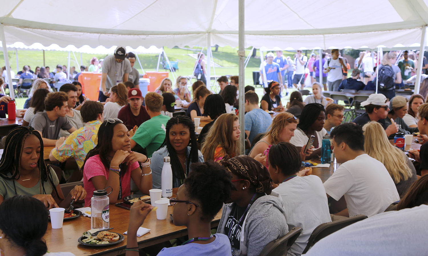 First-year students enjoy a meal on the Quad during Orientation Weekend.