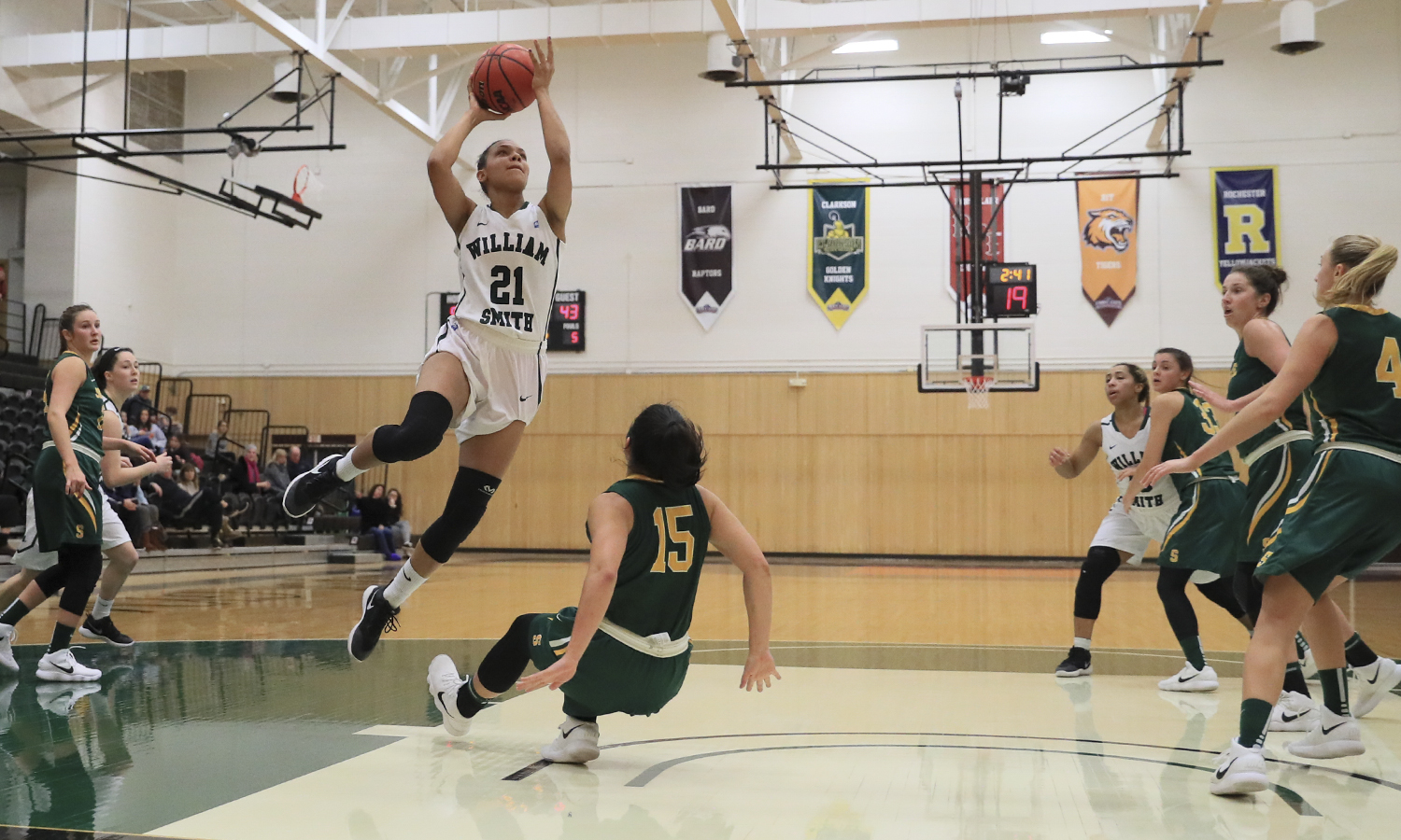 Mia Morrison '19 goes up for a shot during William Smith's 59-56 win over Skidmore College.