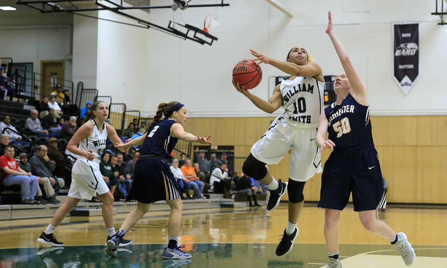 Kendra Quinn-Moultrie '18 goes for a shot during William Smith's game against the University of Rochester.