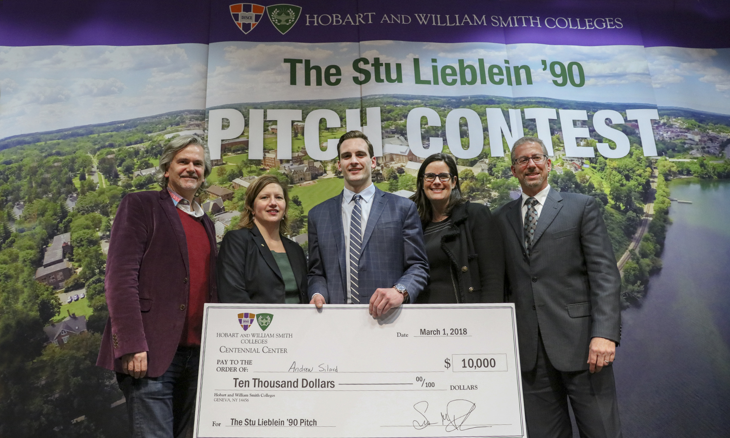 David A. Kaplan '83, co-founder and CEO of global video platform PureSolo and Murge LLC; Julie Bazan '93, local business owner and former financial advisor; 2018 Stu Lieblein '90 Pitch Contest winner Andrew Silard '18; Suzanne B. Rutstein '95, owner of juju Lifestyle Fashions; and Michael J. Miller '83, P'09, president of Microbiology Consultants gather for a photo.