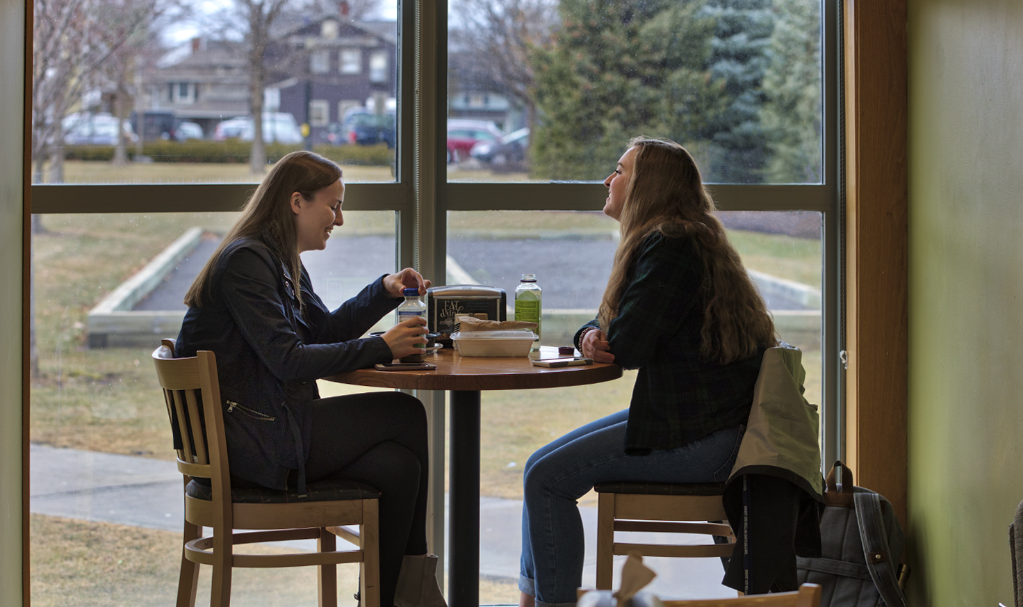 Anna Smith '19 and Margaret McKean '19 stop for lunch in the Scandling Campus Center café.