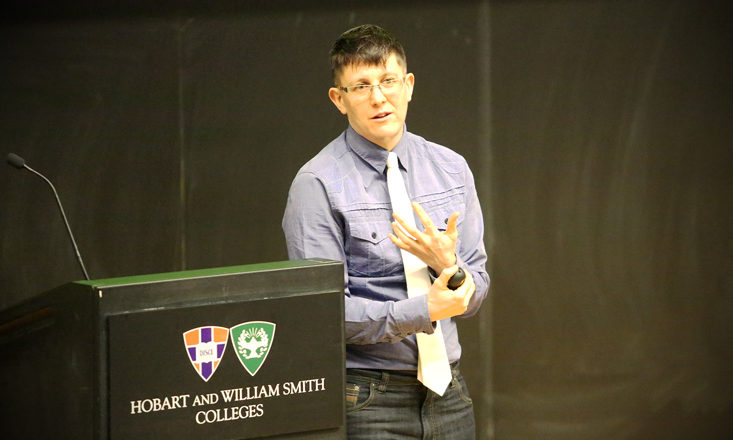 """Yoga Instructor Jacoby Ballard discusses the complexities of compassion during """"Compassion on Campus: Why, how, and for whom?"""" as part of the HWS Psychology Colloquium in the Geneva Room."""