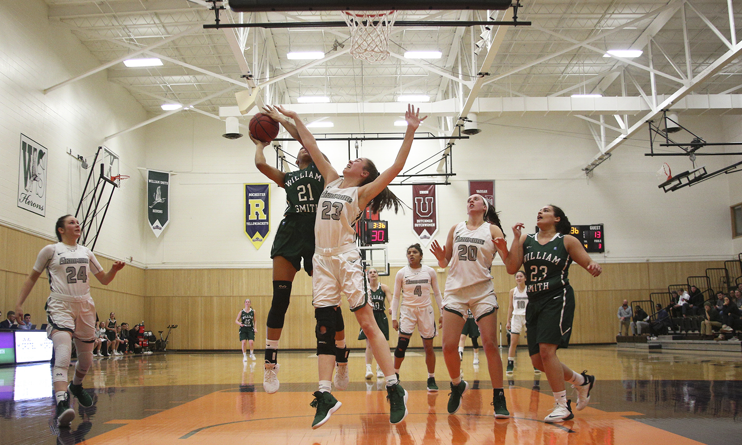 Mia Morrison '19 tests the defense during William Smith's 77-45 victory over Skidmore College.
