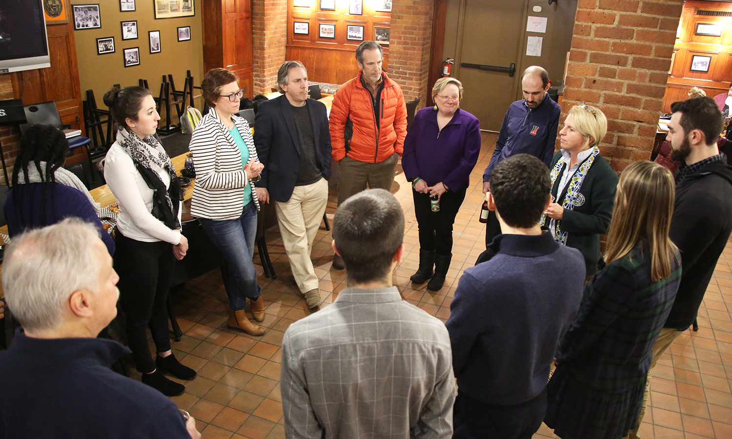 Members of the executive committees of the Hobart Alumni Council and William Smith Alumnae Council meet with students in the Cellar Pub.