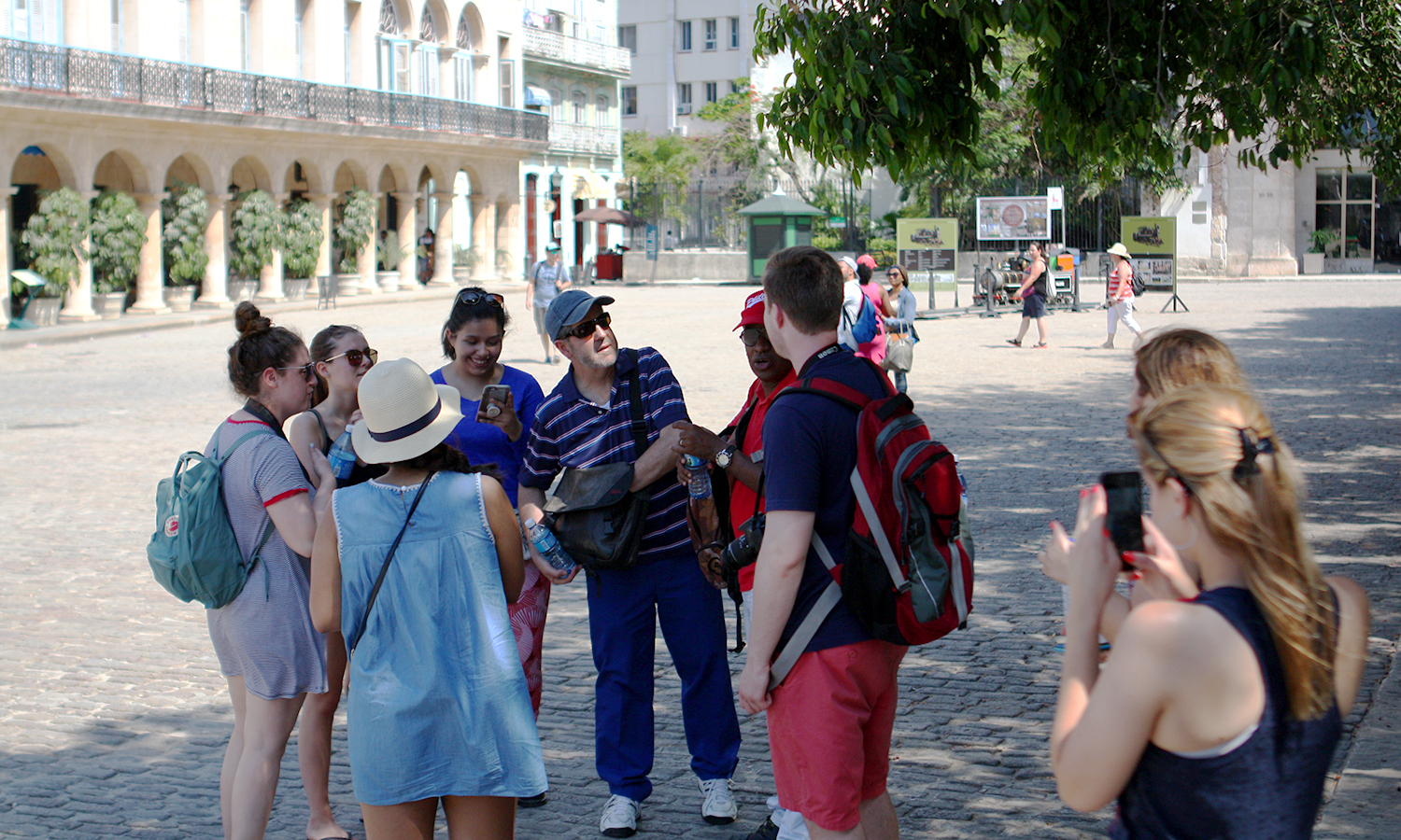 Students stand with Professor Liebana before beginning a tour of Old Havana.