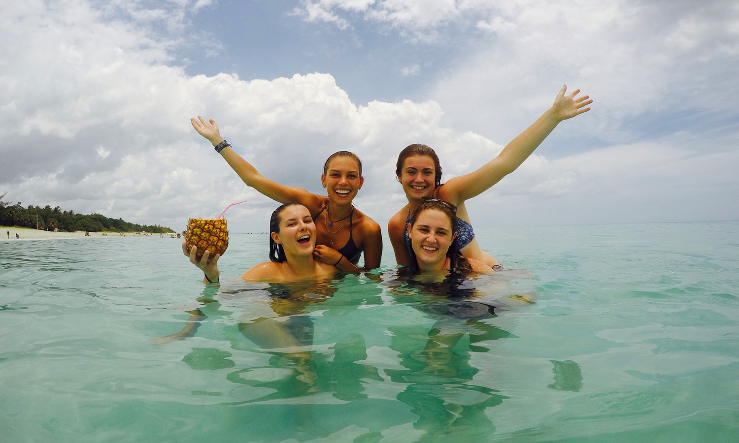 While enjoying a day at Varadero Beach, Colleen Frank '19, Cecelia Foley '18, Sophie MacCracken '18, and Olivia Bennett '20, pose for a picture.