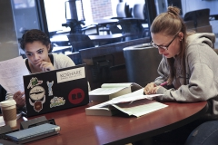 Students Studying 043