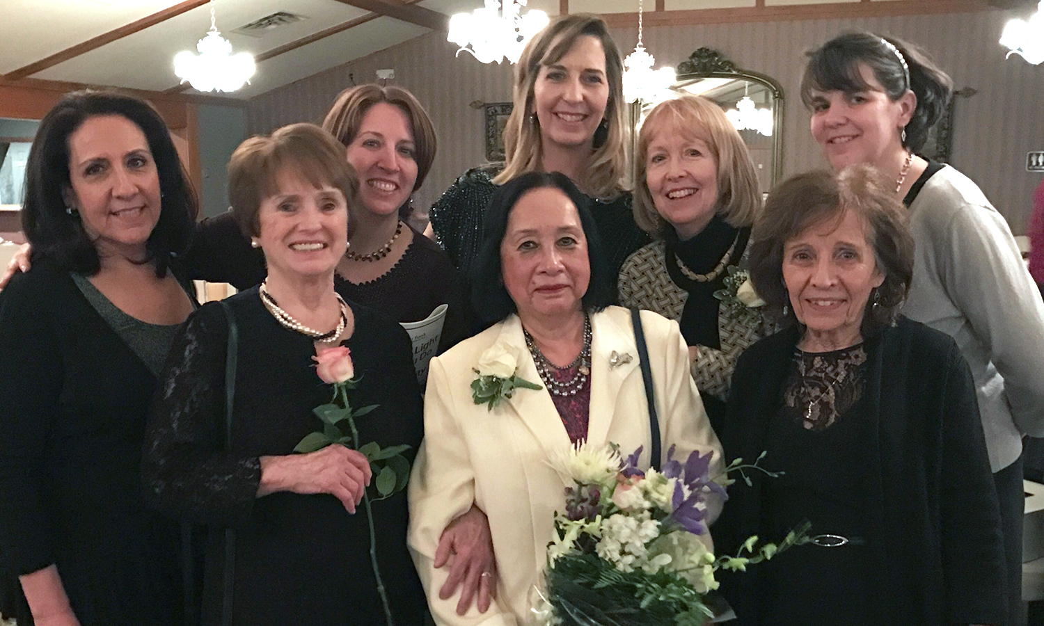 Nozzomi Williams in center (flowers)