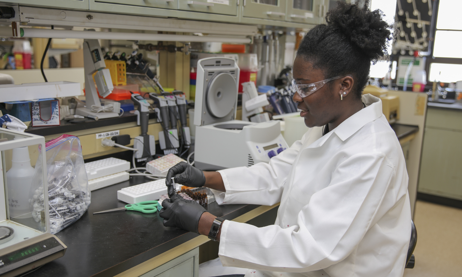 Kenisha Ross '19 conducts research on the antioxident properties of cherries with the U.S. Department of Agriculture for her summer research position located at the N.Y. State Agriculutral Experiment Station.