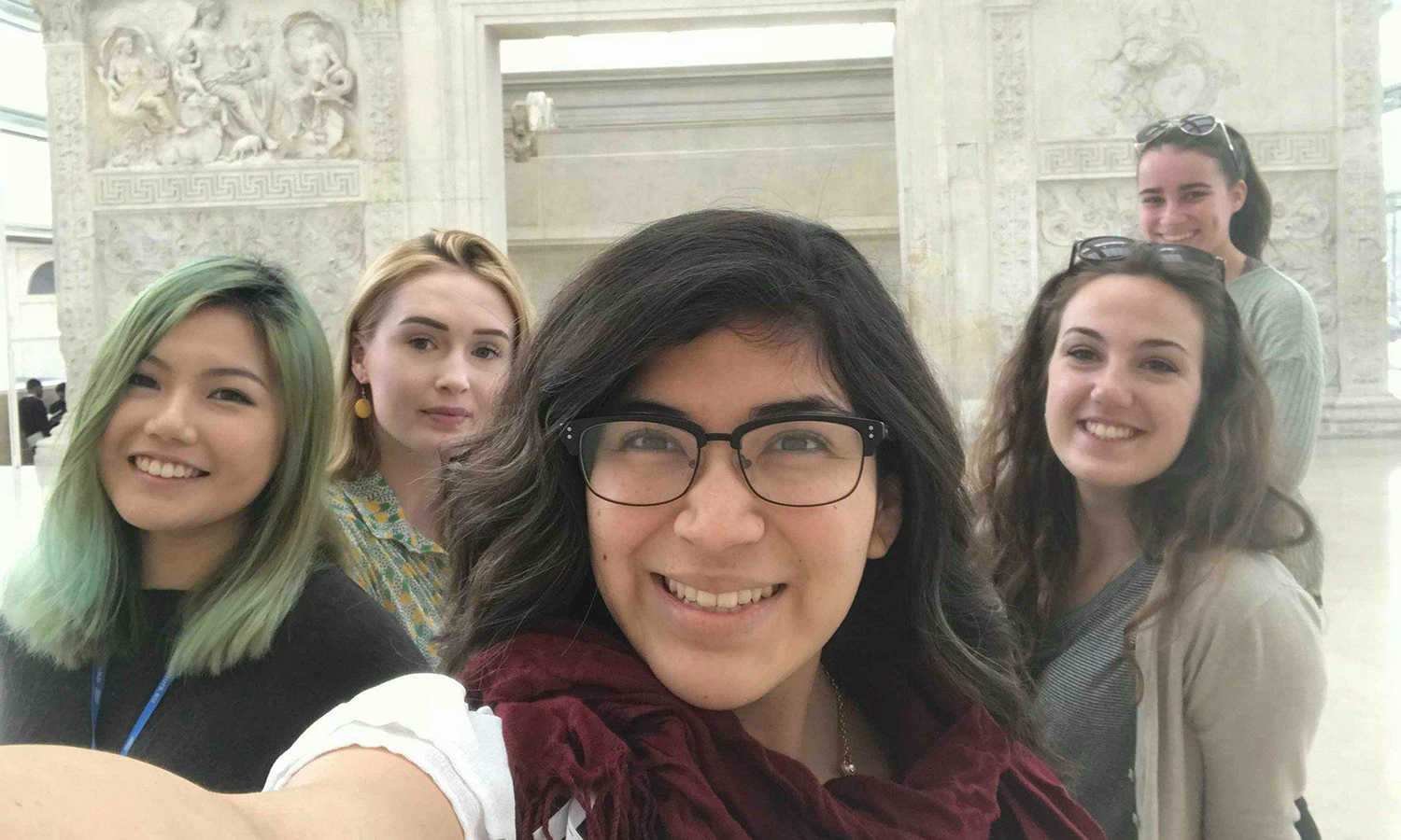 Claire Ching âX, Kristine Vann â19, Leslie Colunga âX, Yellie LaBarre âX and Jamie Soucie âX snap a photo while studying abroad in Rome, Italy.