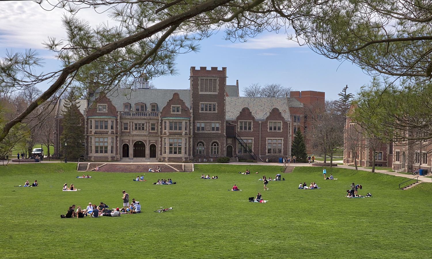 Students fill the Quad on Monday.