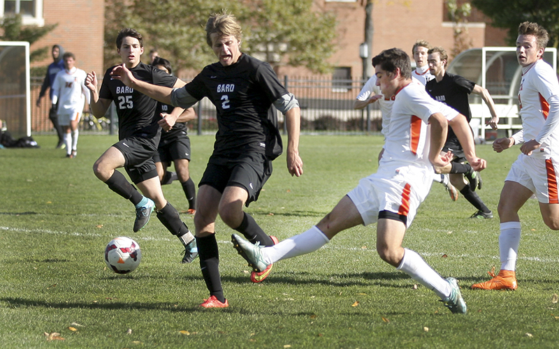 Statesmen forward, Nick Dosky his first goal of the season in the first half of Sturdays match agaist Bard. Hobart defeated the Raptors 3-2 to extend thier winning steak to 4 games.