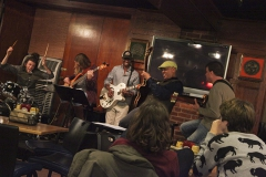 Guitarist Melvin Henderson performs in the Cellar Pub with Greg Wachala, Adjunct Professor of Guitar Studies and Director of the HWS Jazz Guitar Ensemble, and members of the ensemble. (James Silliman '17 on drums, Grace Bugbee '16, and Yared Lacey '18)