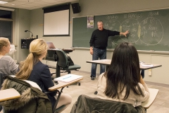HWS students interested in advertising attend a lecture from Tom McGarrity to learn about the opportunities and sectors within advertising, as well as what it takes to get your foot in the door.