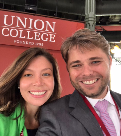 Tempe Landi 'X and Jamie Landi 'X take a selfie at Union College's Inauguration.