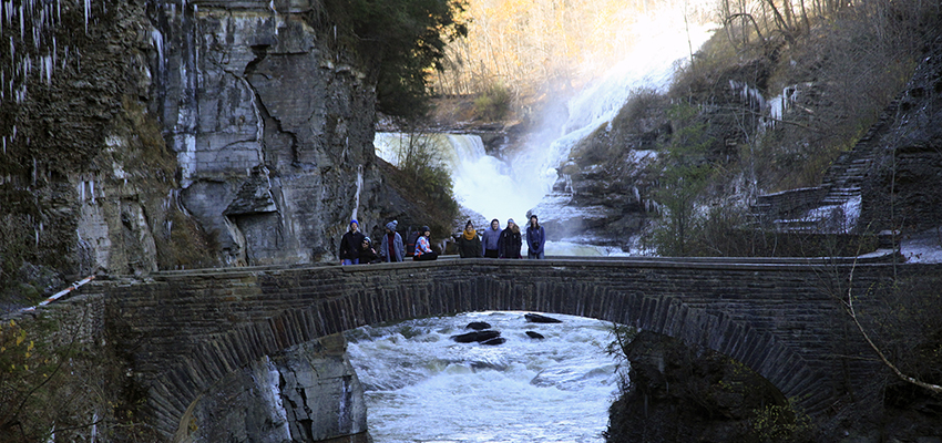 Students participating in the HWS Outdoor Recreation Adventure Program gather for a group photo at Letchworth State Park.