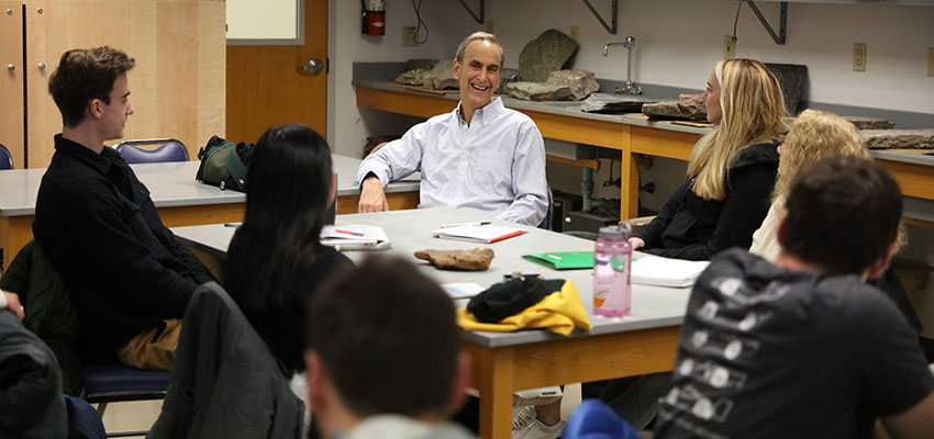 Grotzinger-John79-with-Students--KColton-19-0030-00047