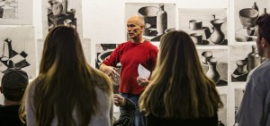"""Professor of Art and Architecture Nick Ruth discusses course policies and procedures during """"Intro to Drawing"""" in the Katherine D. Elliot '66 Studio Arts Center."""